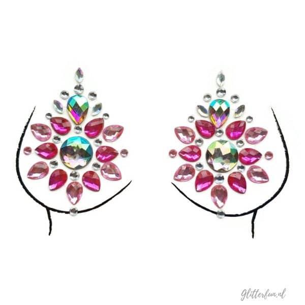 Razzleberry-zelfklevende-steentjes voor op lichaam. Dit zijn body gems die ook prima dienen als nipple cover zoals te zien op de borsttekening
