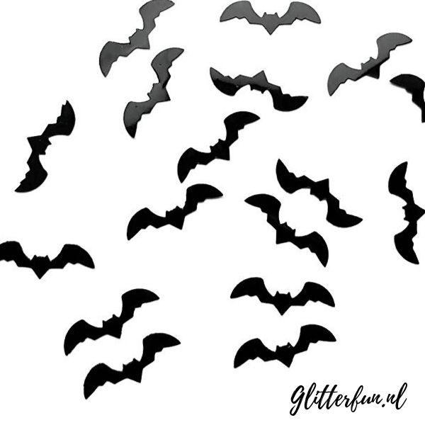vleermuizen voor op gezicht tijdens Halloween