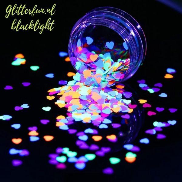 Neon glitter hartjes - blacklight