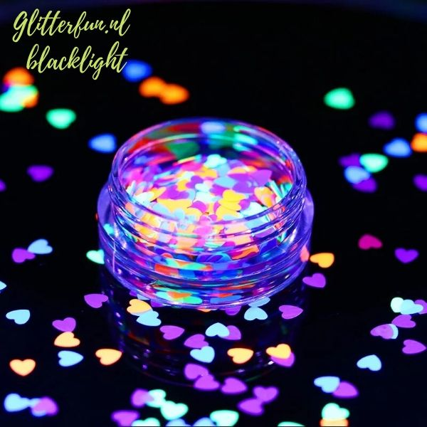 Neon glitter hartjes – blacklight