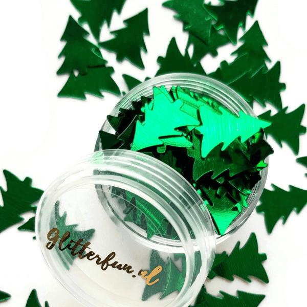 Donkergroene kerstboompjes of dennebomen glitter. Ze zijn 16mm hoog en 14mm breed.