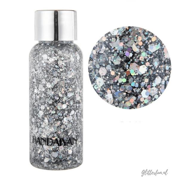 flesje met zilver glittergel met verschillende vormen glitter