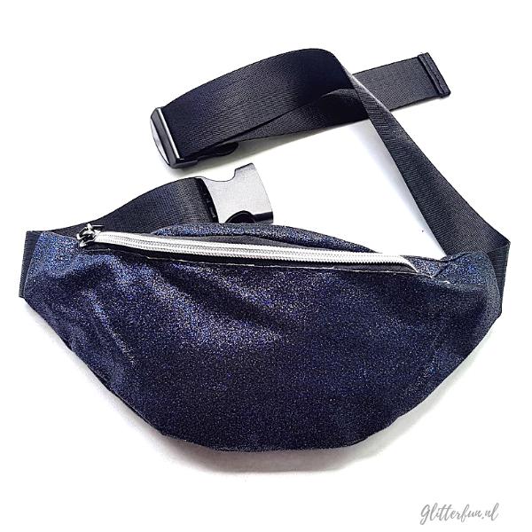Zwarte waist bag met glitter