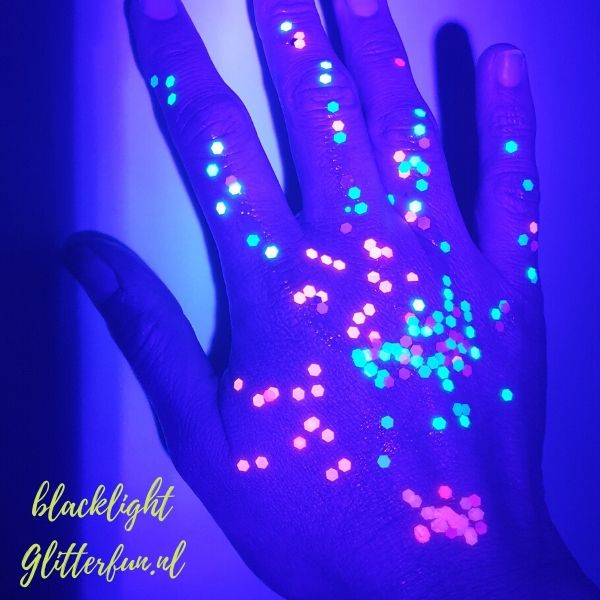 Neon glitter roze grof – blacklight proof